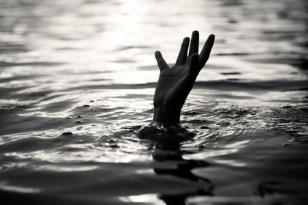 Civil Defence Personnel Save Foreigner From Drowning